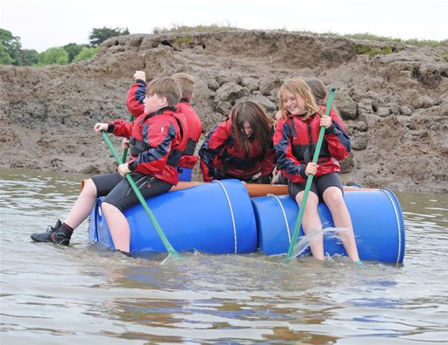 Raft Race credit S Medland.jpg